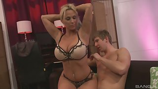 Busty milf Holly Halston ramming a fat friend's penis after a blowjob
